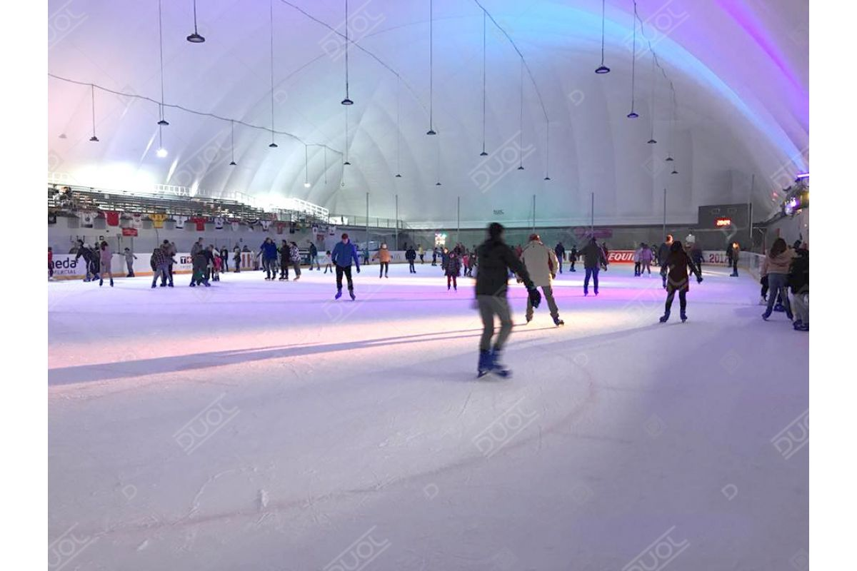 Hockey inflatable structure