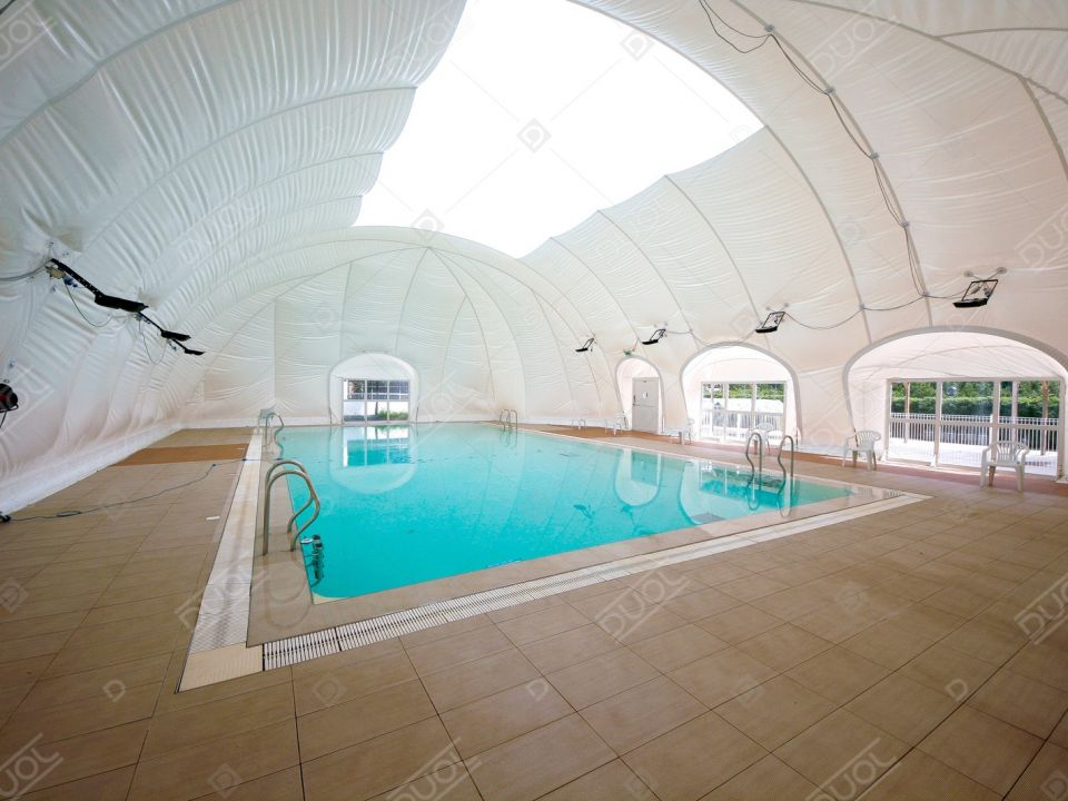 Swimming pool enclosure (Swimming pool enclosure)